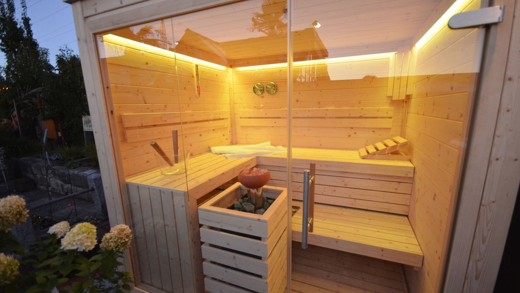 sauna im garten great im garten with sauna im garten cool sauna im garten with sauna im garten. Black Bedroom Furniture Sets. Home Design Ideas
